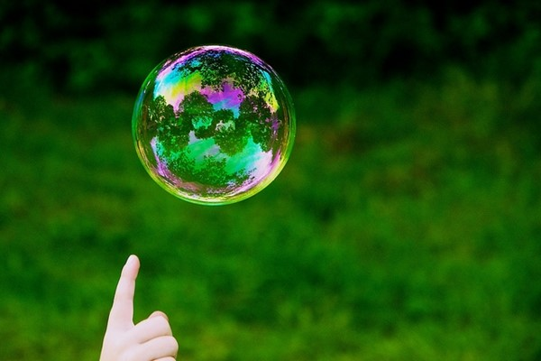 qarao.com-soap-bubble-the-earth-is-flat